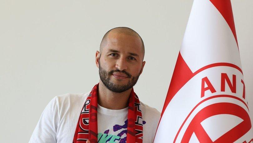 Antalyaspor, Kudriashov ile yeni sözleşme imzaladı