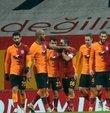 Şampiyonlar Ligi ön eleme turundaki temsilcimiz Galatasaray, 2. tur rövanş maçında Hollanda devi PSV ile kozlarını paylaşmaya hazırlanıyor. İlk maçta rakibine 5-1 mağlup sarı kırmızılılarda tek hedef mucizeyi başarmak. İşte Galatasaray PSV maçı ile ilgili ayrıntılar...
