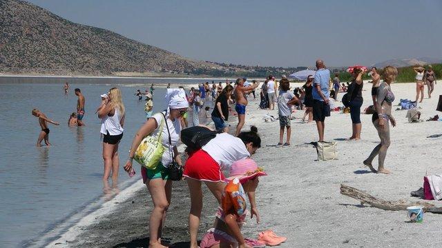 """REZİLLİK! Son dakika: """"Ayak basmayın"""" denen Salda Gölü'nde skandal görüntüler - FOTO HABER"""
