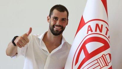 Antalyaspor, Poli'yi transfer etti