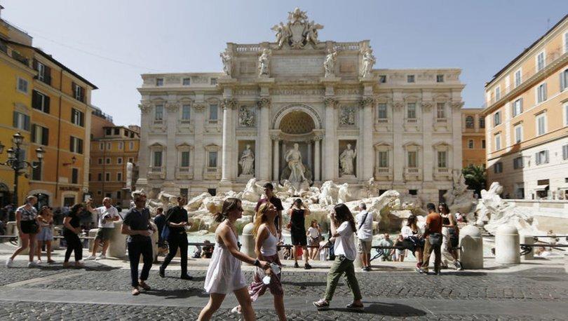 SON DAKİKA: İtalya'da Kovid-19 salgınına yönelik OHAL yıl sonuna kadar uzatıldı
