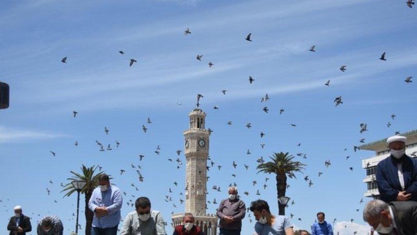 İzmir Cuma namazı vakti 23 Temmuz 2021! Bugün İzmir cuma saati kaçta? Diyanet namaz vakti İzmir