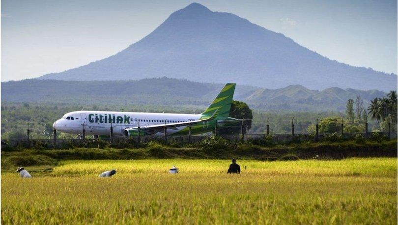 SON DAKİKA: Endonezya'da testi pozitif çıkmasına rağmen karısının kılığına girip uçağa binmeye çalıştı!