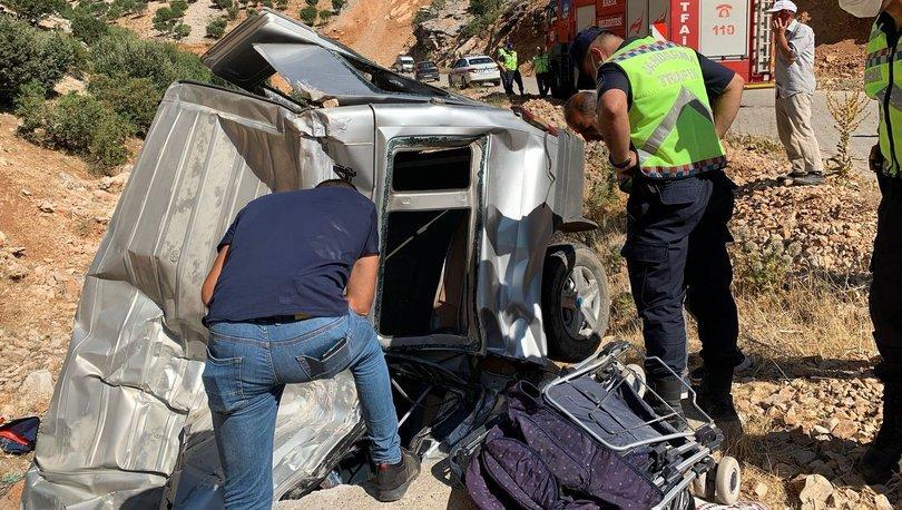 Minibüs menfeze yuvarlandı: 2 ölü, 5 yaralandı