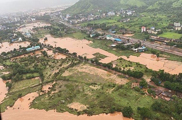 Hindistan'da sel felaketi: 100'ü aşkın ölü!