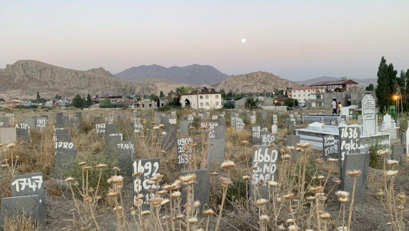 Son dakika: Van'ın göçmenlerle büyüyen kimsesizler mezarlığı