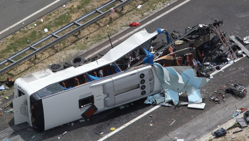 Hırvatistan'da otobüs devrildi: 10 kişi hayatını kaybetti