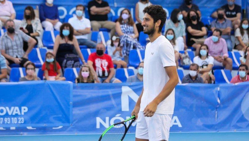 İspanya'daki tarihi tenis maçında kazanan Altuğ Çelikbilek