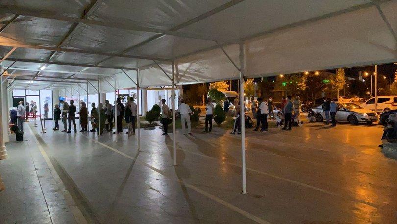 KORKUTAN GÖRÜNTÜLER! Son dakika: Diyarbakır'da  PCR testi için uzun kuyruklar oluştu! - Haberler