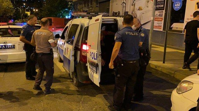 Son dakika: Polis, otomobilin kaputunda böyle sürüklendi - VİDEO HABER