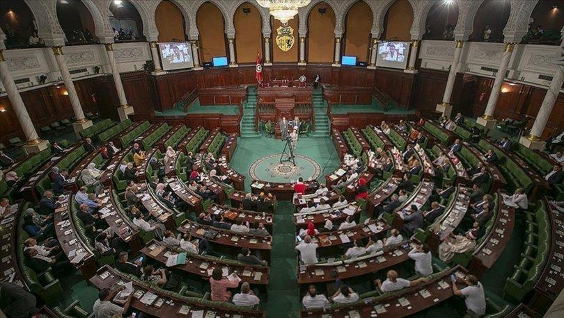 Tunus Cumhurbaşkanı Said'in kararları, ülkedeki siyasi partileri ikiye böldü