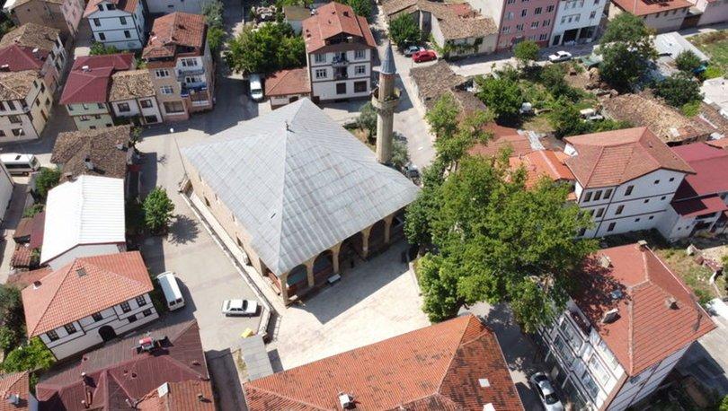Mimar Sinan'ın kalfasının inşa ettiği Rüstem Paşa Camii hayran bırakıyor