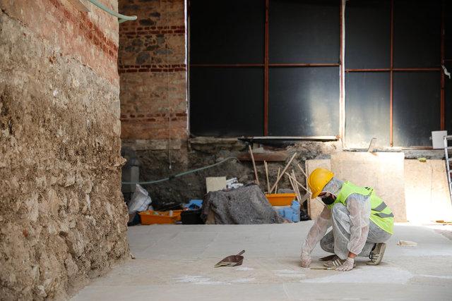 Otoparkın altından çıkan tarihi mozaiklerin restorasyonu başladı