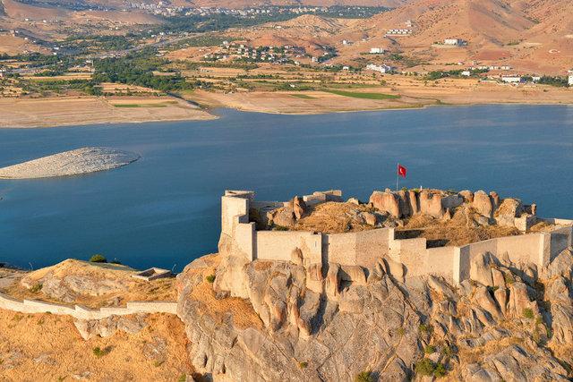 Pertek ve Mazgirt'in tarihi ve doğal güzellikleri havadan görüntülendi