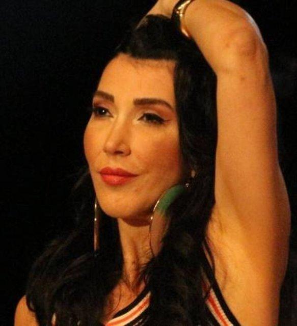 Hande Yener'den bikinili dans şov: Mutluluğun kısa yolları var - Magazin haberleri