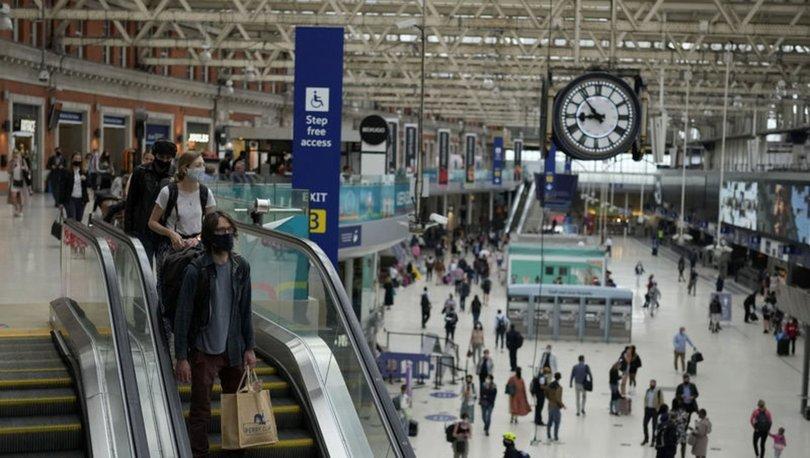 SON DAKİKA: İngiltere'den yeni seyahat kararları: İki doz aşılı AB ve ABD vatandaşlarına karantina kaldırıldı