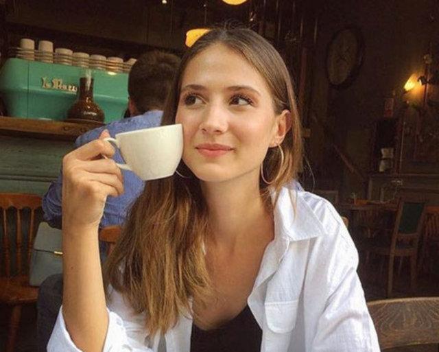 Simay Rasimoğlu: Pandemi bir bana bir de medikalcilere yaradı! - Magazin haberleri