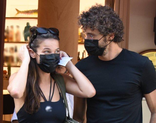 Pınar Deniz ile Yiğit Kirazcı ilk kez el ele görüntülendi! - Magazin haberleri