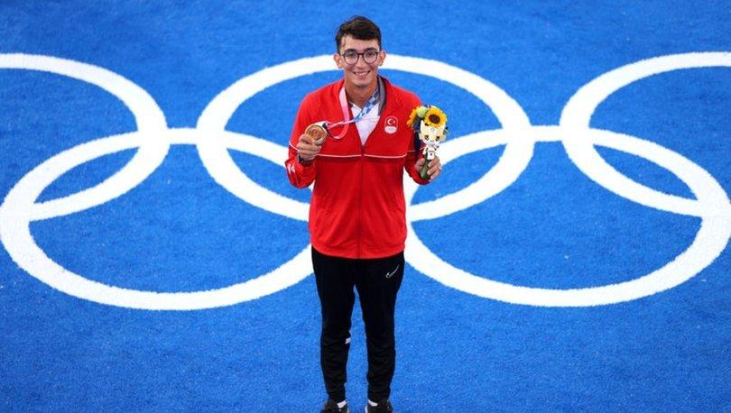 Olimpiyat şampiyonu Mete Gazoz: Ülkeme bu gururu yaşattığım için çok mutluyum