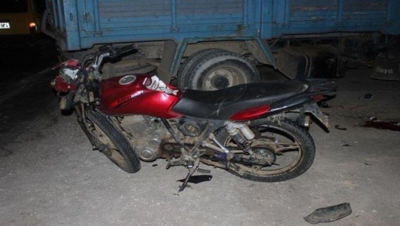 İzmir'de kamyon ile motosiklet çarpıştı: 1 ölü