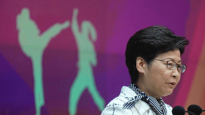 Hong Kong, aşılanmamış memurların Covid-19 testleri için ödeme yapmak zorunda kalacağını söyledi