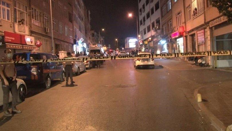 Fatih'te iki çocuğunu rehin alıp pencereden rastgele ateş açan şüpheli yakalandı