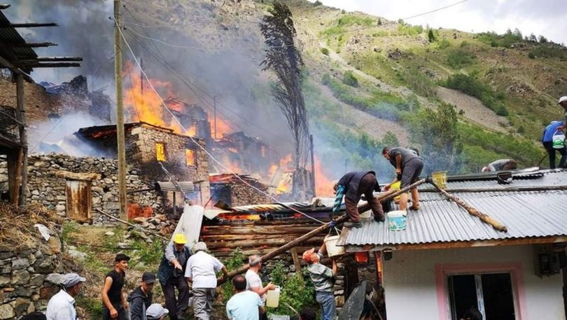 KORKUNÇ! Son dakika haberi: Yusufeli'nde korkutan yangın: 10 ev kül oldu