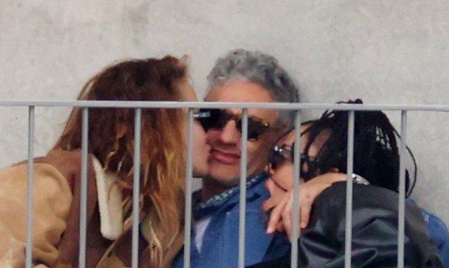 Rita Ora ile Taika Waititi ilk kez birlikte kırmızı halıda! - Magazin haberler