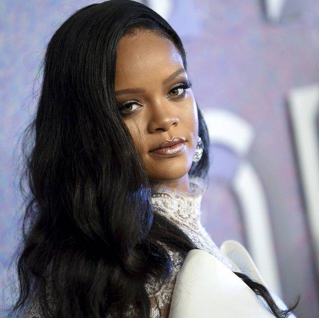 Rihanna milyarder ilan edildi - Magazin haberleri
