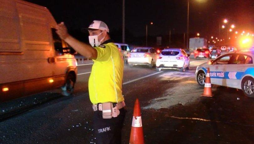 TEM Otoyolu'nda minibüs ile otomobil çarpıştı: 3'ü çocuk, 7 yaralı