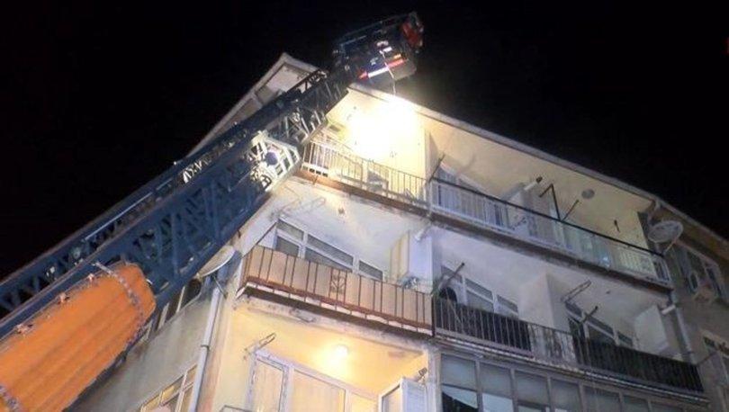 Fatih'te 4 katlı binada yangın paniği: Çok sayıda kişi dumandan etkilendi