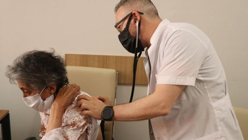 Tek akciğeriyle Covid-19'u yenen 69 yaşındaki Hatice Sezer'den 'Aşı olun' çağrısı