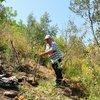42 yıldır Spil Dağı'na ağaç dikiyor