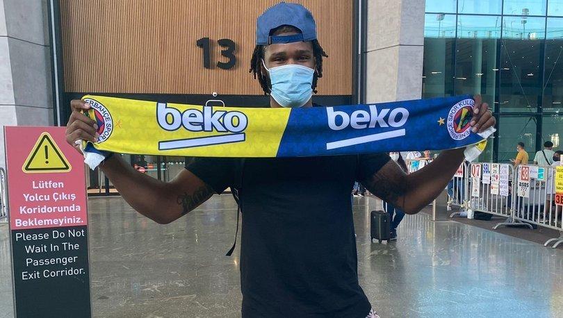 Fenerbahçe Beko'nun yeni transferi Booker, İstanbul'a geldi