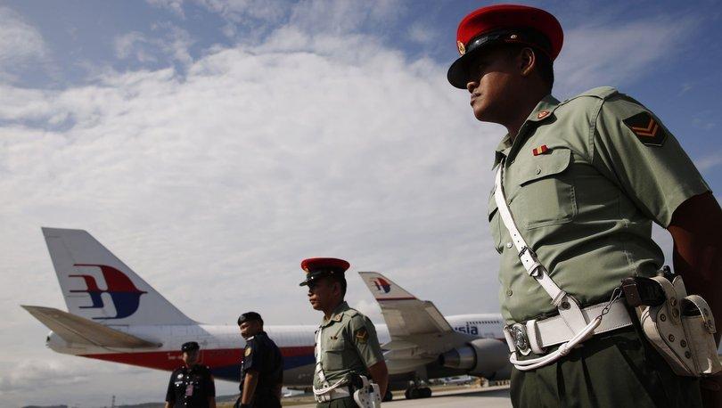 Malezya'da hava kuvvetleri personeli, silah arkadaşlarına ateş açtı: 4 ölü