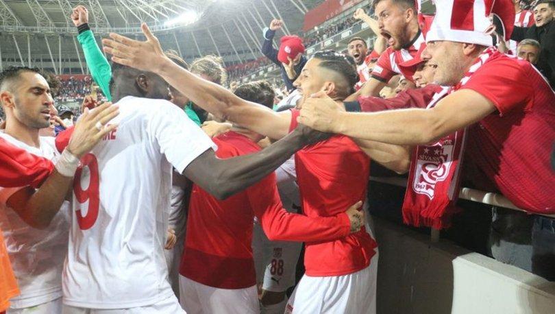 UEFA Avrupa Konferans Ligi'nde play-off turuna kalan Sivasspor'da yüzler gülüyor