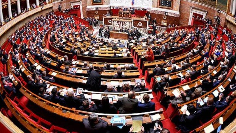Fransa Müslümanları ilgilendiren o yasayı onayladı - Son dakika haberleri