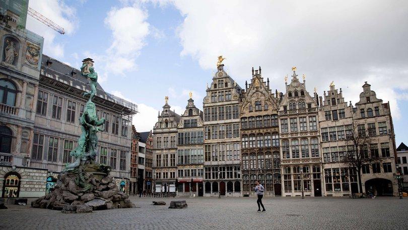 Nüfusun yüzde 80'inin aşılandığı Belçika'da normalleşme