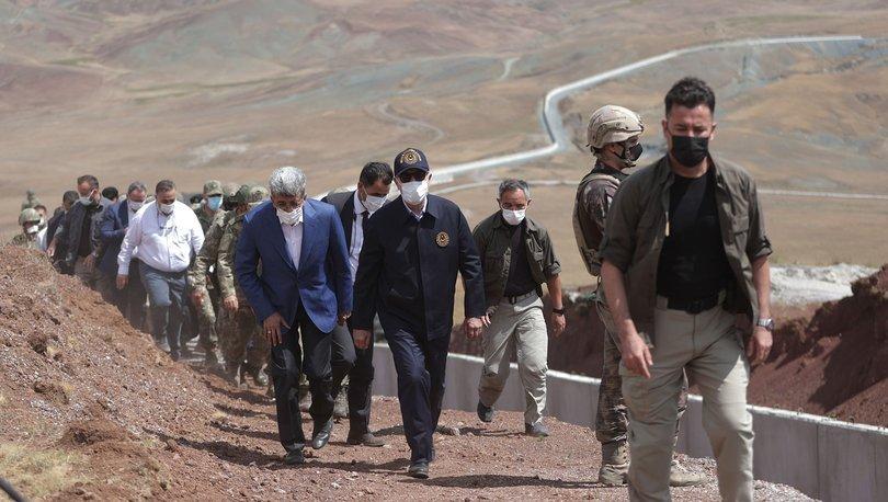 Son dakika haberi Bakan Akar ve komutanlar İran sınırında