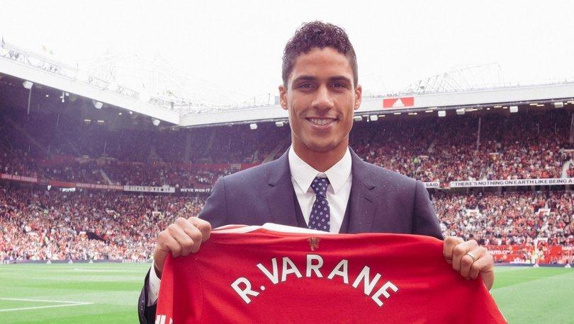 Manchester United, Raphael Varane ile 2025'e kadar sözleşme imzaladı