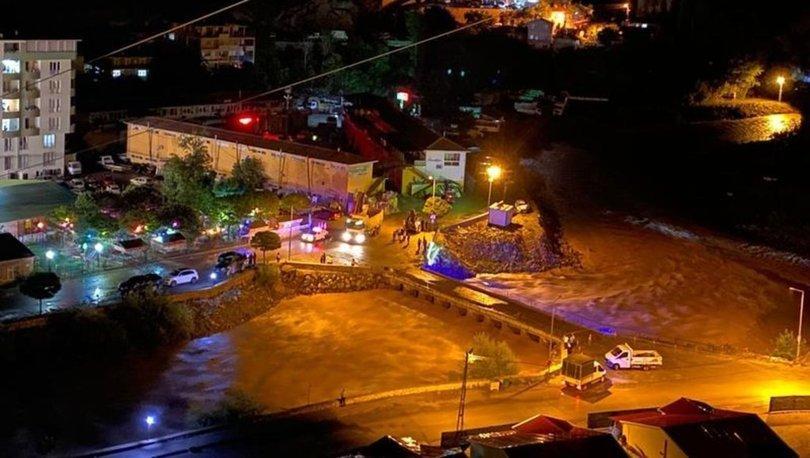 Artvin'de şiddetli yağış nedeniyle su baskınları meydana geldi