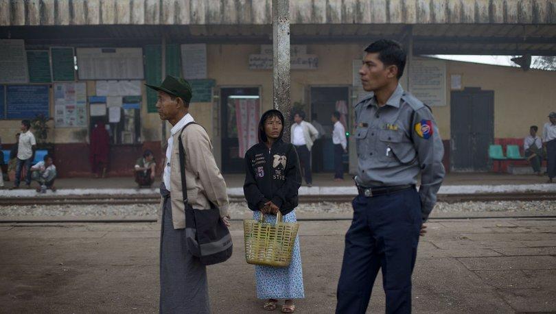 Myanmar'da trende yolculuk yapan 5 polis, maskeli kişilerce öldürüldü