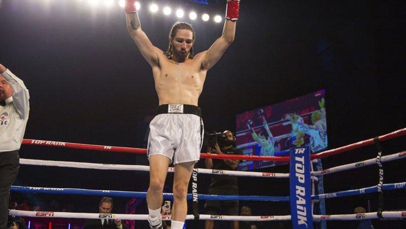 Muhammed Ali'nin torunu Nico Ali Walsh, ilk maçını nakavtla kazandı