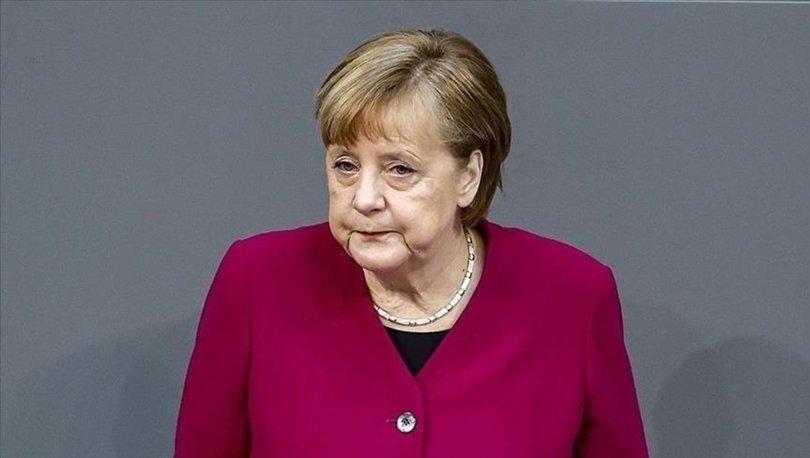 Merkel: Afganistan'da yaşananlar son derece acı bir gelişme