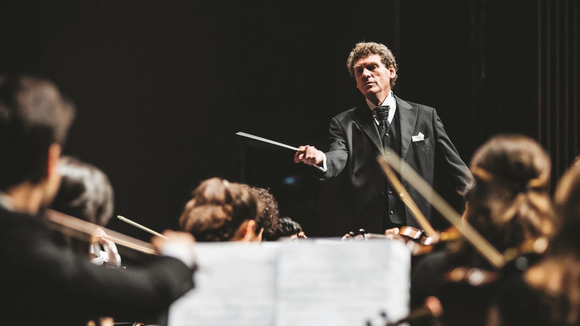 CRR Senfoni Orkestrası'ndan 'Dansa Davet'