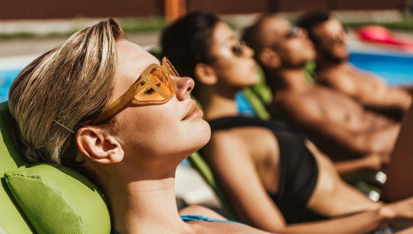 Korumasız ve uzun süreli güneşlenme cilt kanserine yol açabiliyor