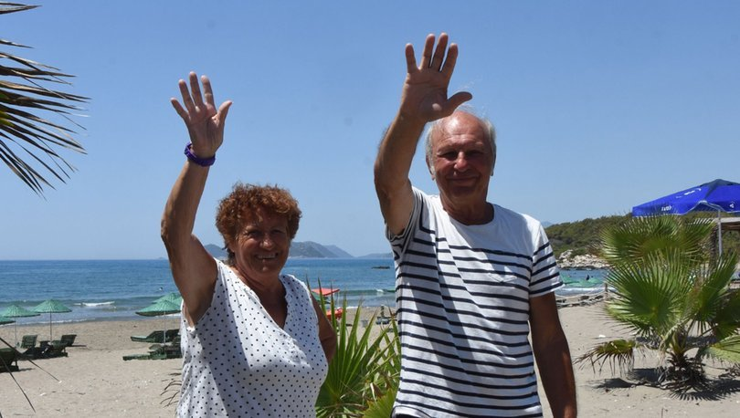 Fransız çift, tatil için 38 yıldır karavanla Türkiye'ye geliyor