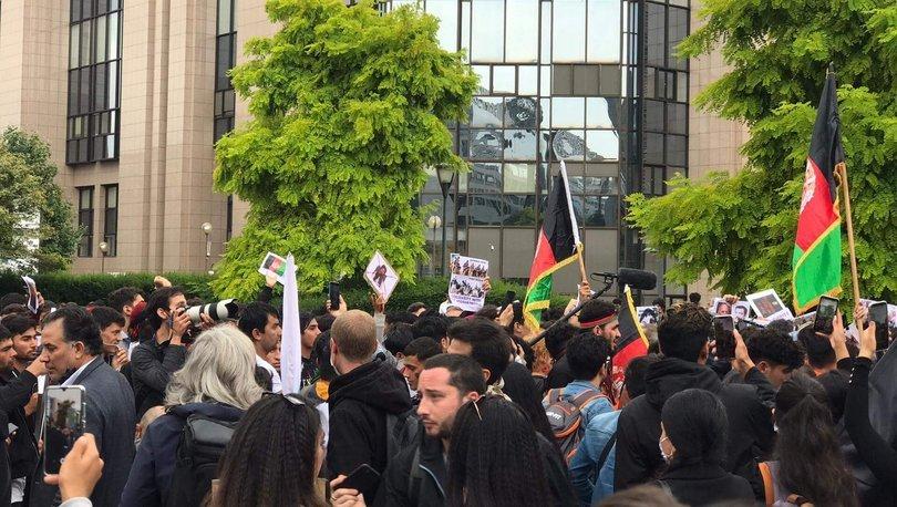 Belçika'nın başkenti Brüksel'de Taliban karşıtı protesto: Afganistan'ı kurtarın