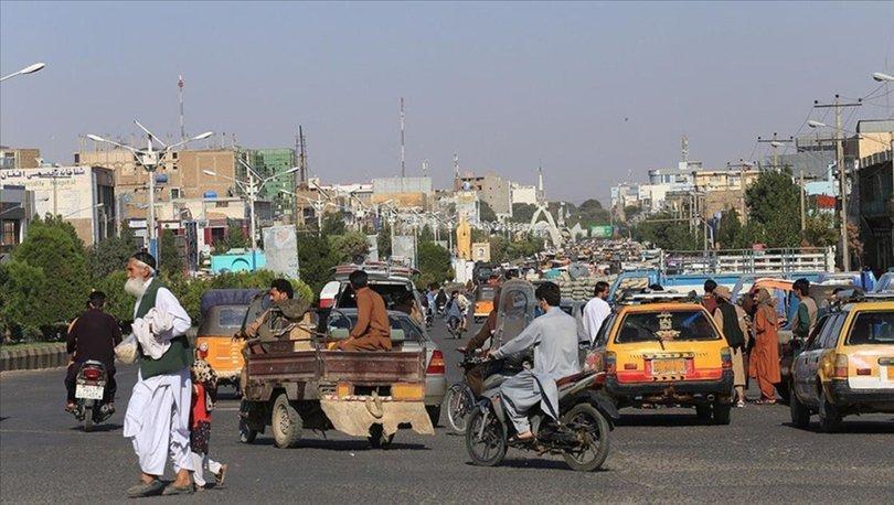Taliban heyeti, Afgan siyasiler Karzai, Abdullah ve Hikmetyar ile görüştü