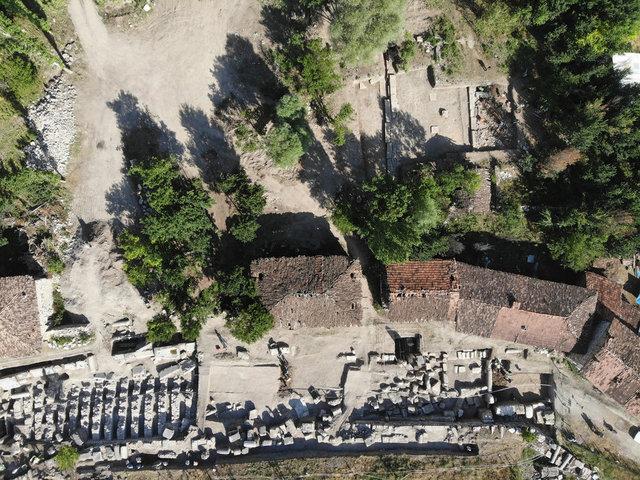 Aizanoi Antik Kenti kazısında Hygieia heykeli bulundu